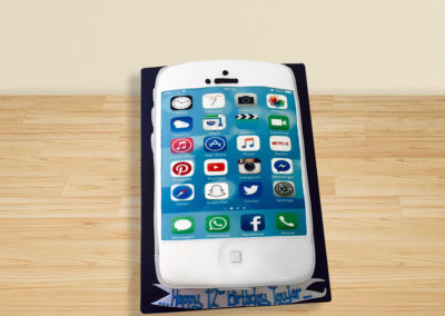 iPhone cake by Bakers Lane