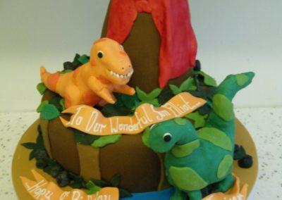 disosaur-cake